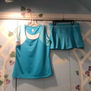 Turquoise Bolle Tech tennis outfit.